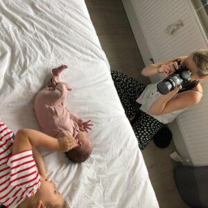 Fotoshoot Studio samsam van newborn Saar behind the scenes pasgeboren in Wormer, Wormerland, Zaanstad
